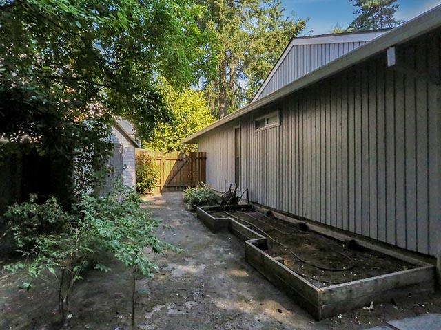 8405 SW Carmel Ct - Portland - 37.jpg