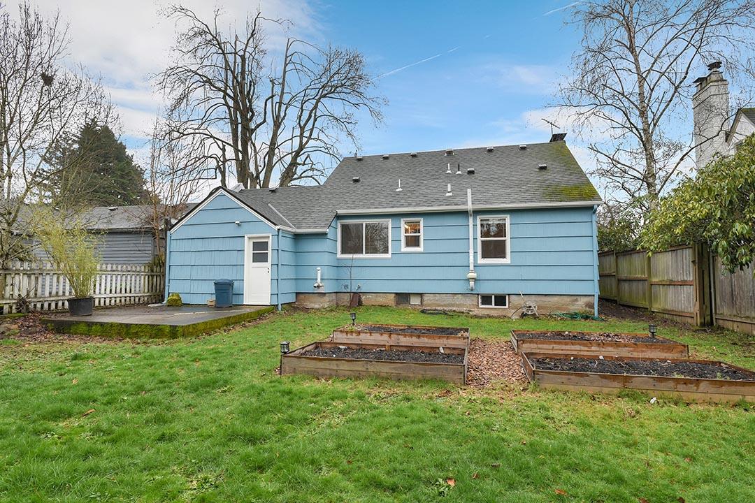 6221 NE Alton St - Portland- 46.jpg