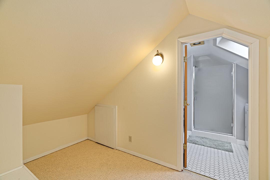 121 SW Whitaker St Portland OR-print-020-19-Master Bedroom-4200x2802-300dpi.jpg