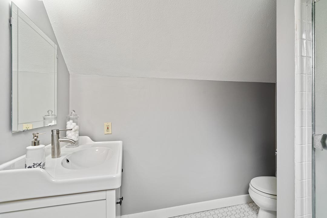 121 SW Whitaker St Portland OR-print-022-2-Master Bath-4200x2802-300dpi.jpg