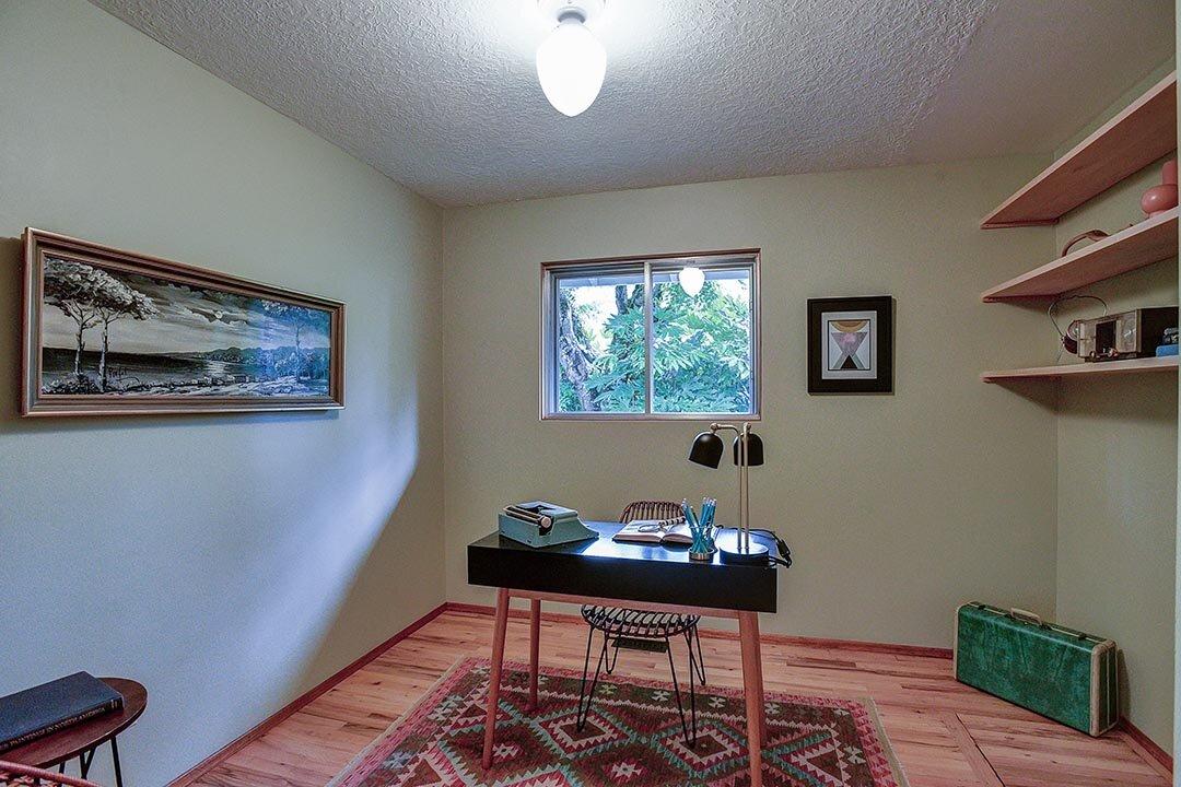 12819 SE Center St - Portland-31.jpg