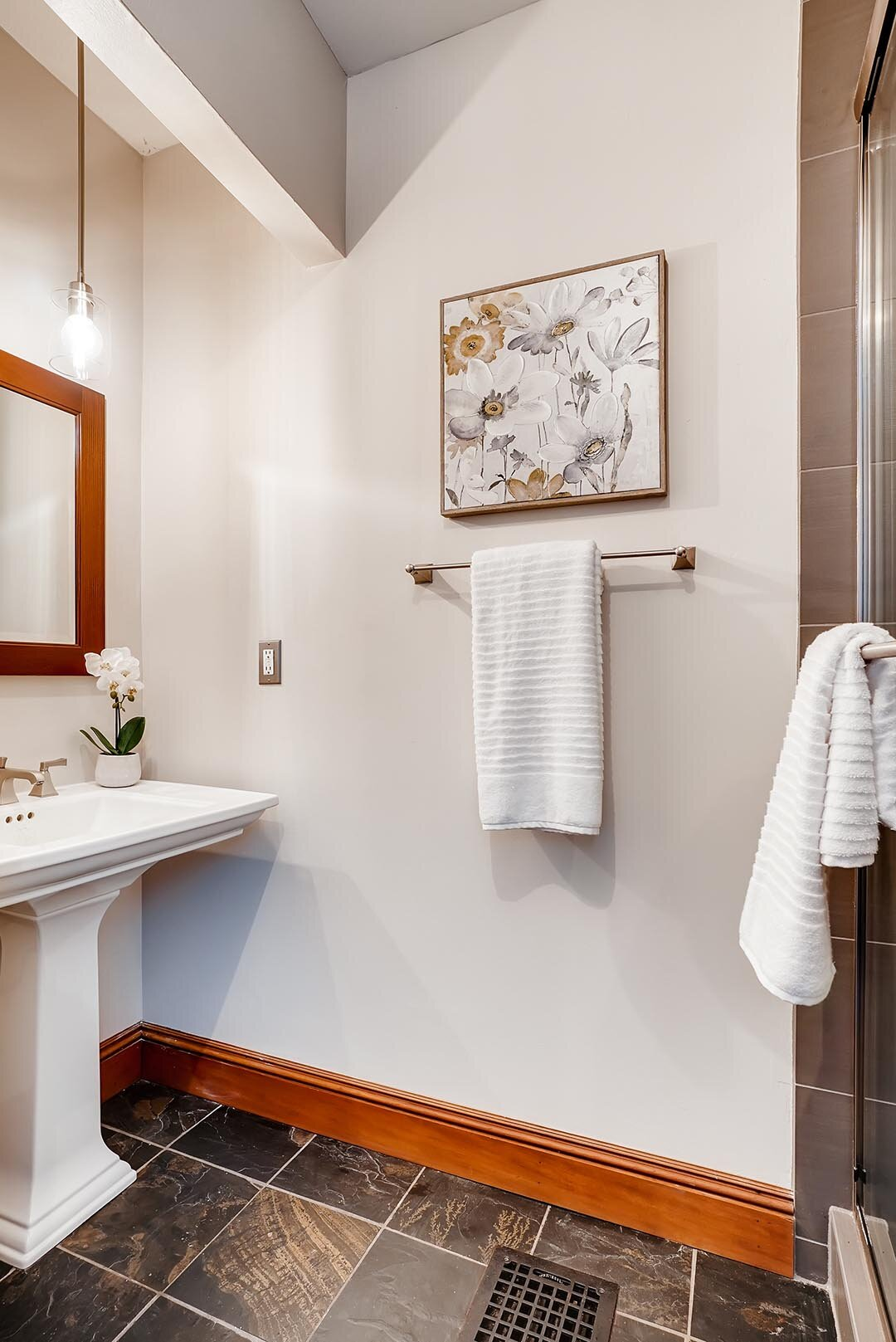 3015 NE OREGON Street Portland-print-011-004-Bathroom-2405x3600-300dpi.jpg