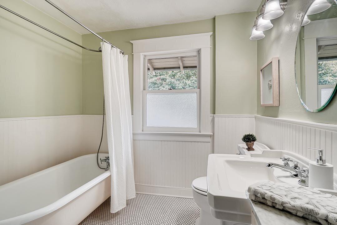 3015 NE OREGON Street Portland-print-015-022-2nd Floor Master Bathroom-3600x2405-300dpi.jpg