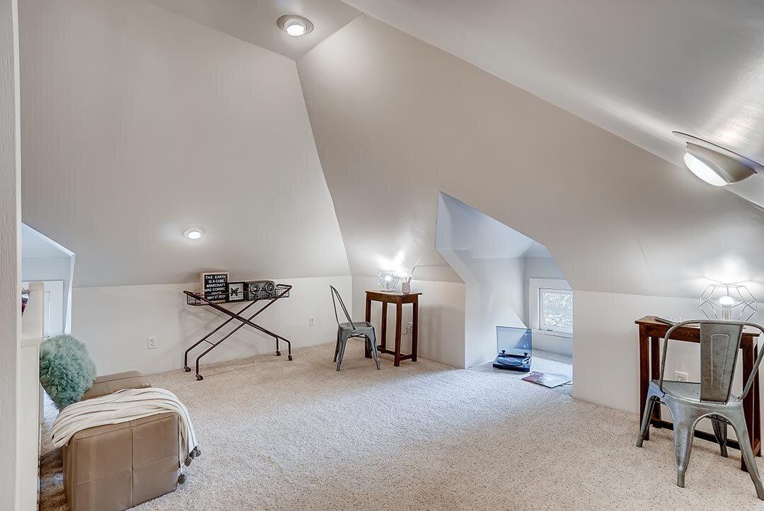 3015 NE OREGON Street Portland-print-022-020-3rd Floor Bedroom-3600x2405-300dpi.jpg