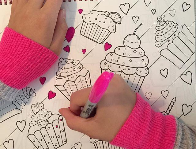 Ragcuffs having some Friday fun!! #Ragcuffs #soho #neonpink #gray #TGIF #fun #cupcakes #pinkpinkpink #kids #love #coloring