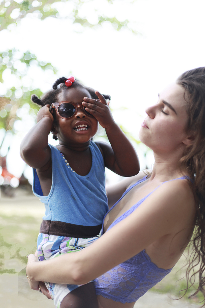 RAEN  is a classics-driven, boutique eyewear brand from California. Their products are primarily inspired by the adventurous spirit, so naturally I took a few along with me on my two month excursion across Jamaica.  This is Freya and her adorably tiny friend on set at our favorite locals beach in Jamaica.