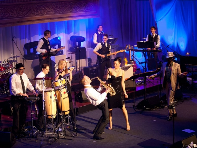 iza hoell big band.jpg