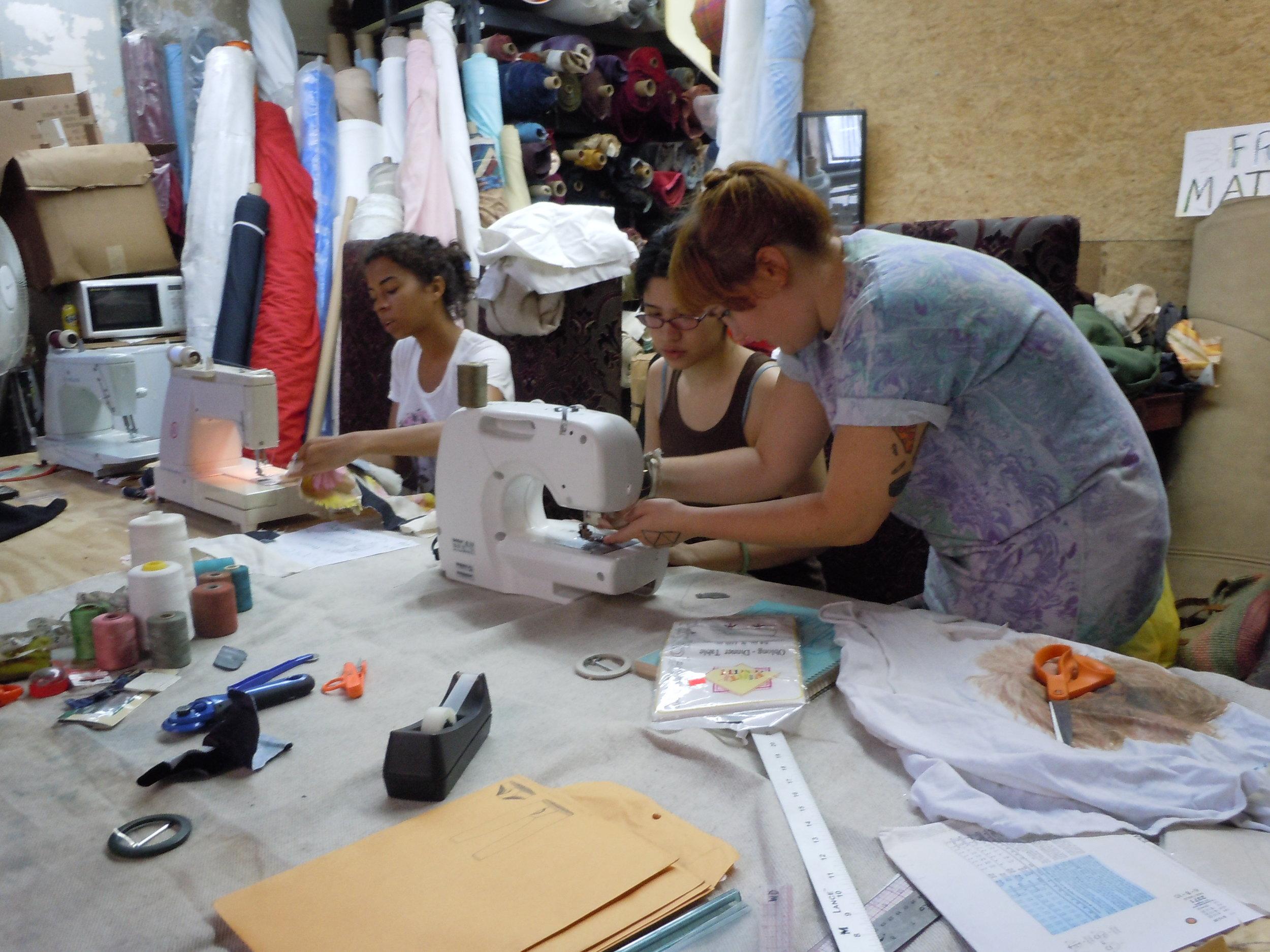 sewing_5064015326_o.jpg