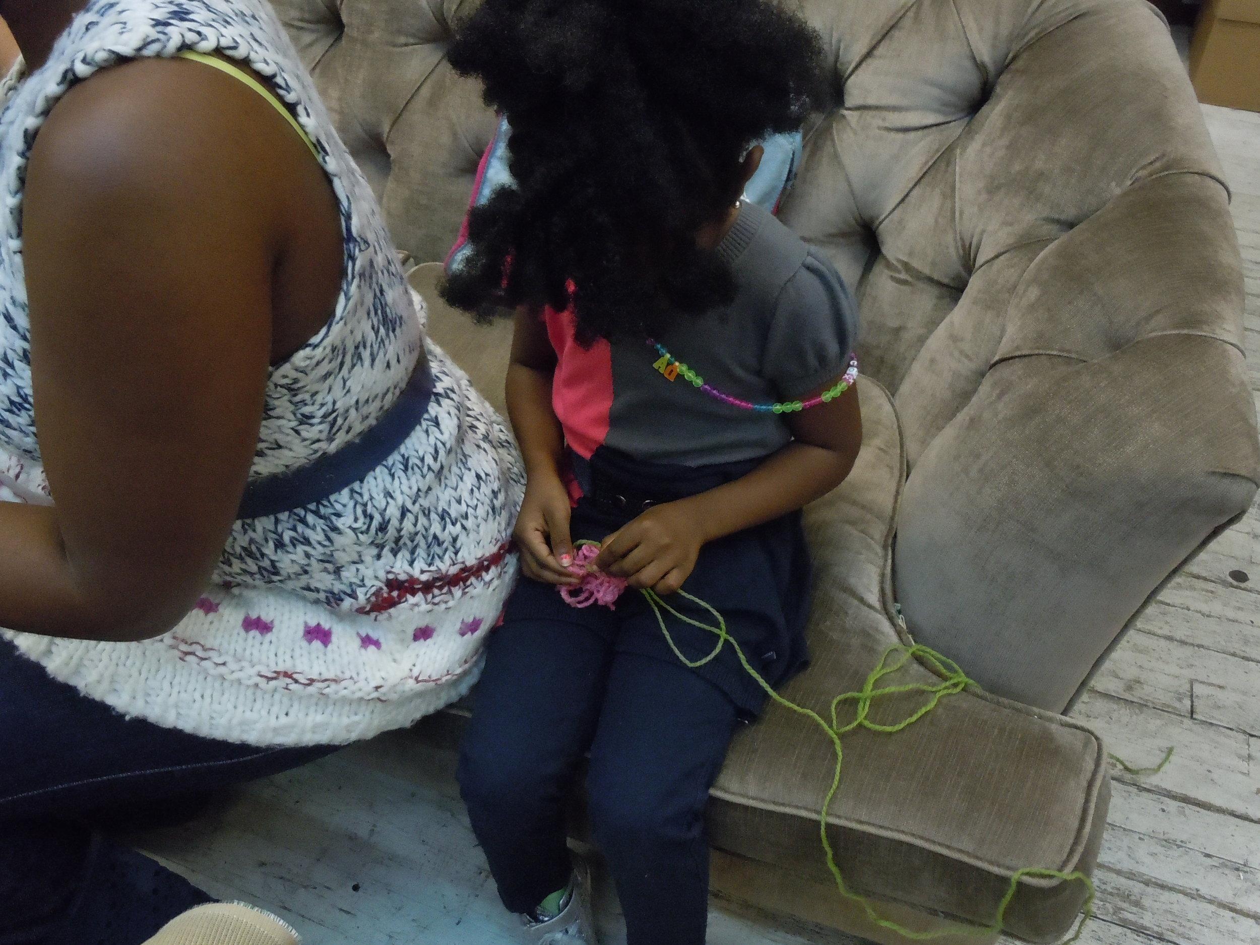 making-a-hair-scrunchie_5063437113_o.jpg