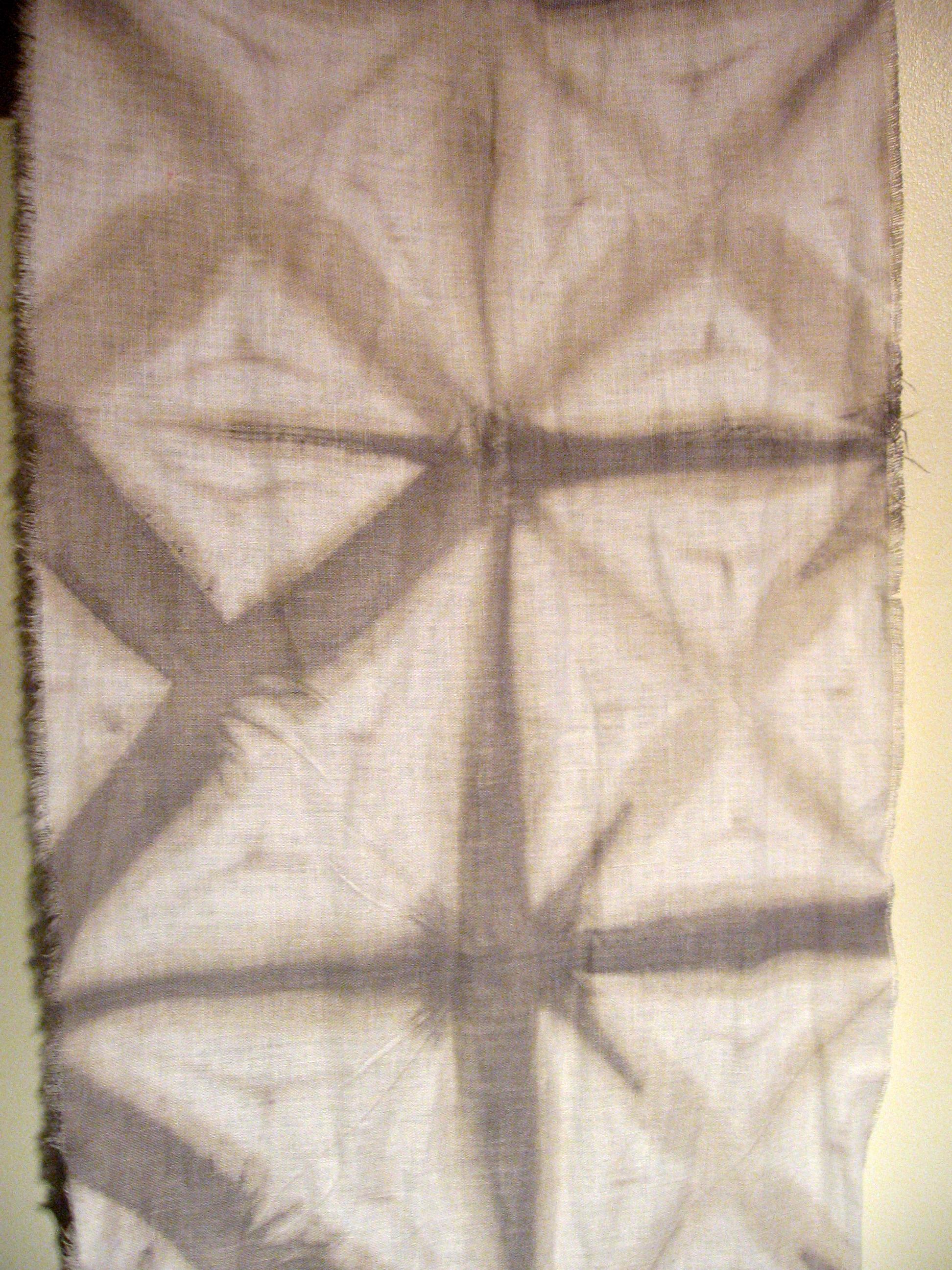 shibori-dyed-fabric_5076086651_o.jpg