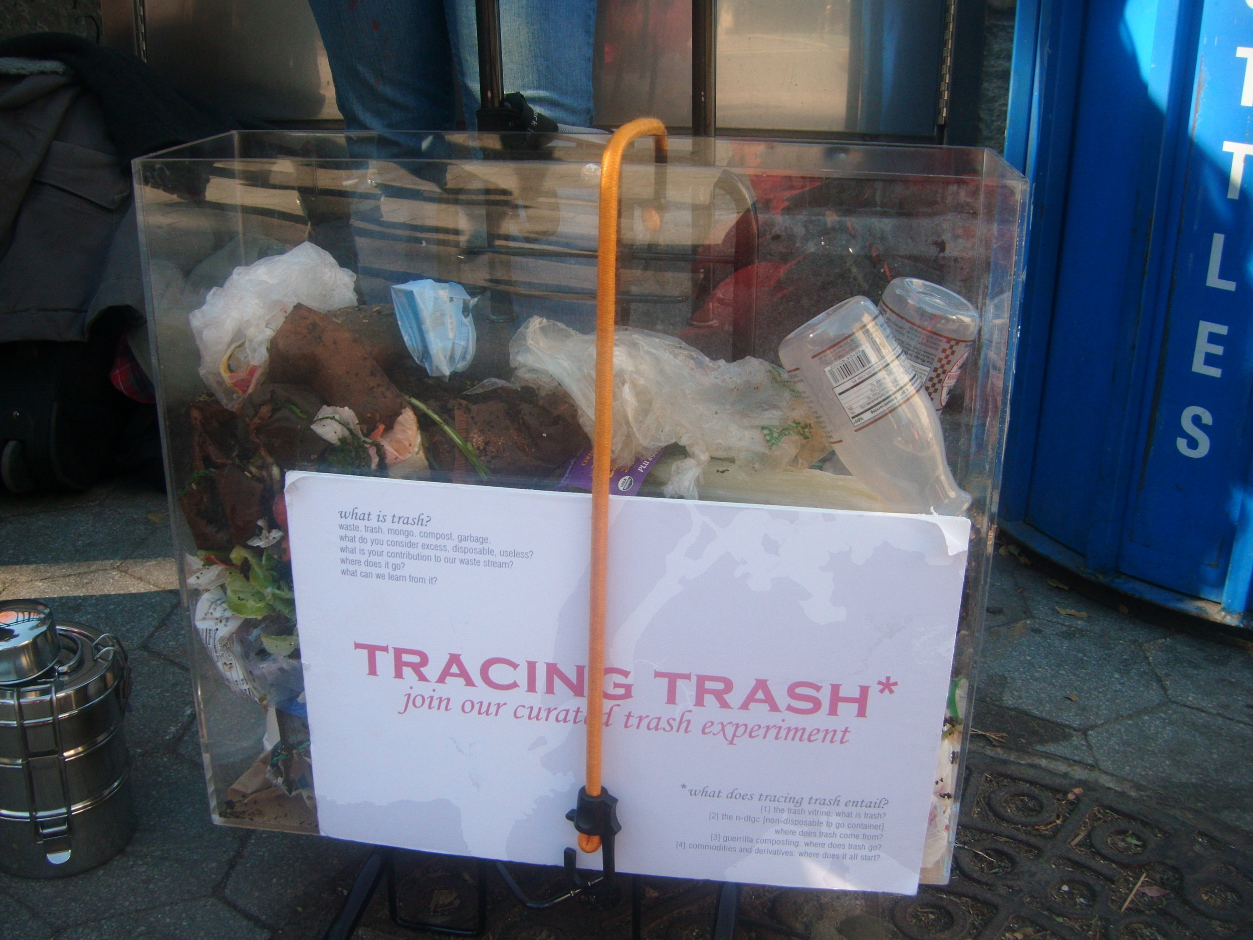 trash-gather-in-union-square_5245434699_o.jpg