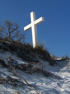 The Island Cross which has survived many hurricanes.