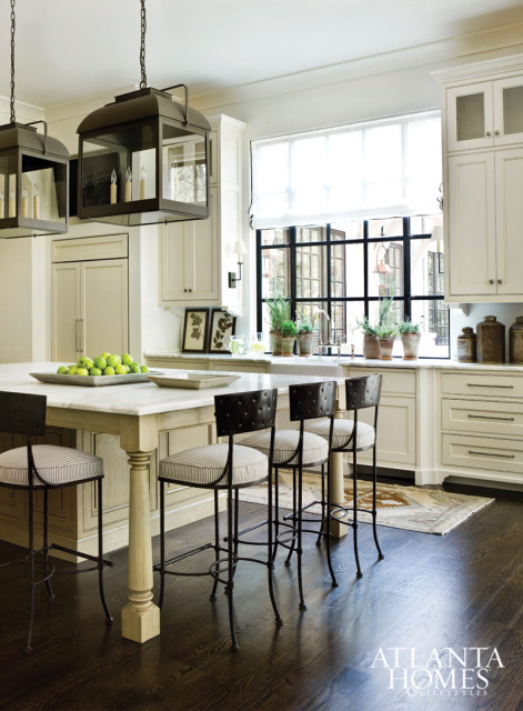 This home was recently featured in  Atlanta Homes & Lifestyles , and I may have to give it a full post one day because it is that good.  But, in the meantime, let's enjoy this kitchen.