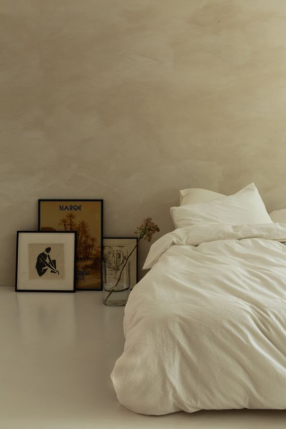 relaxed-interior-bedroom-plaster-render-walls.jpg