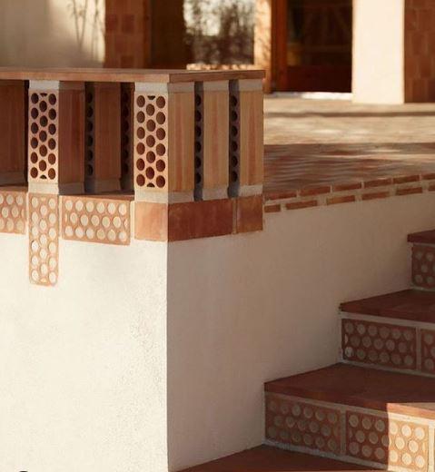 brick-render-staircase-details-terracotta-patio.JPG