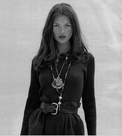 kate-moss-monochrome-nineties-layered-necklaces.JPG