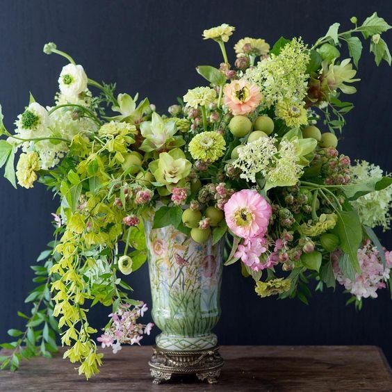 tulipina-design-kiana-underwood-lime-green-bouquet.jpg