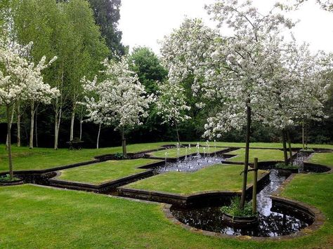 west-green-house-hampshire-england-water-garden.jpg