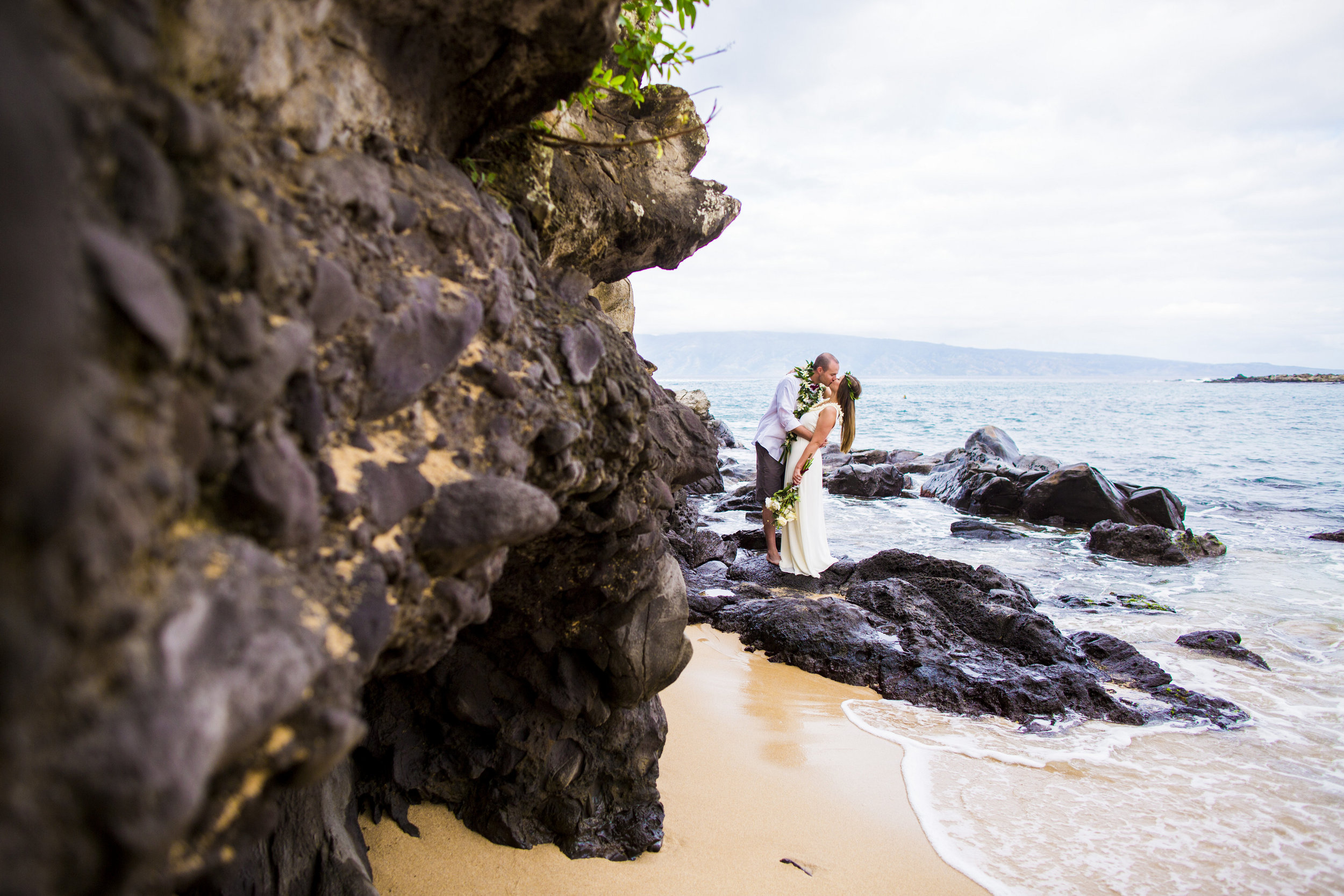 Olivia Taylor-Hawaii Elopement-0067.jpg