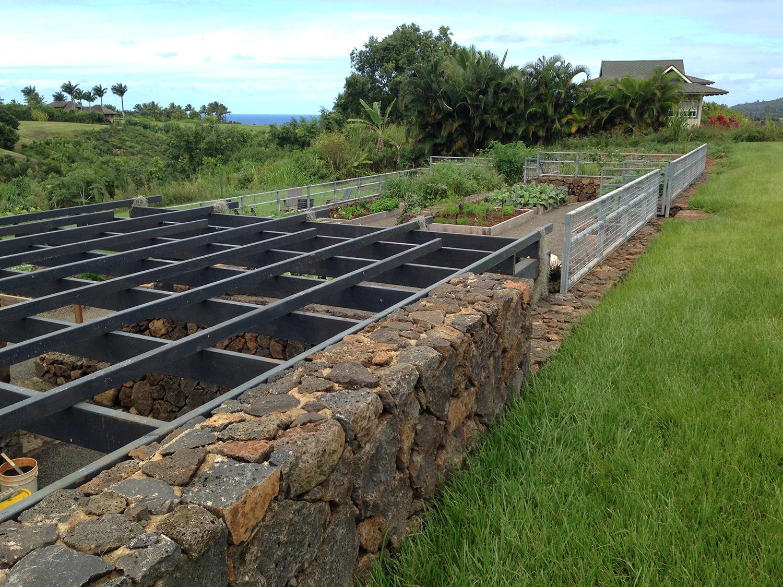 hut-house-vegetable-garden-4.jpg