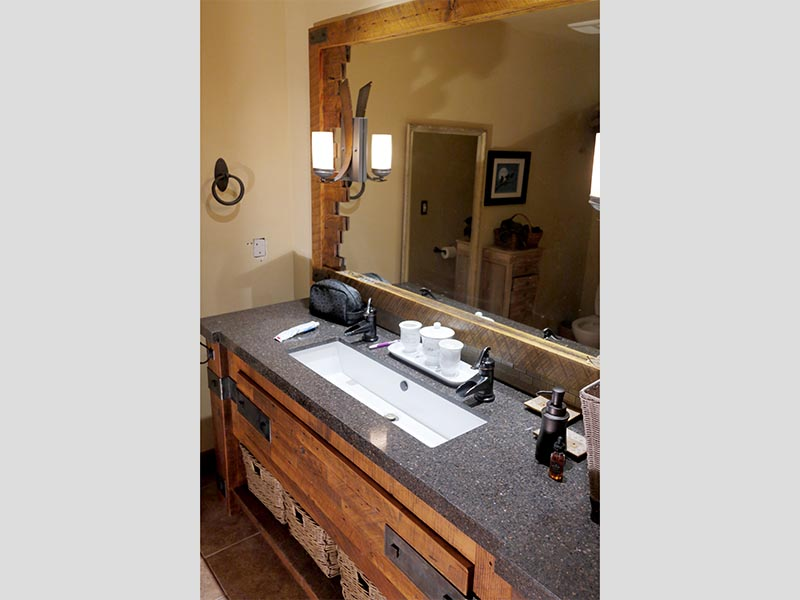 Bathroom Sink & Mirror