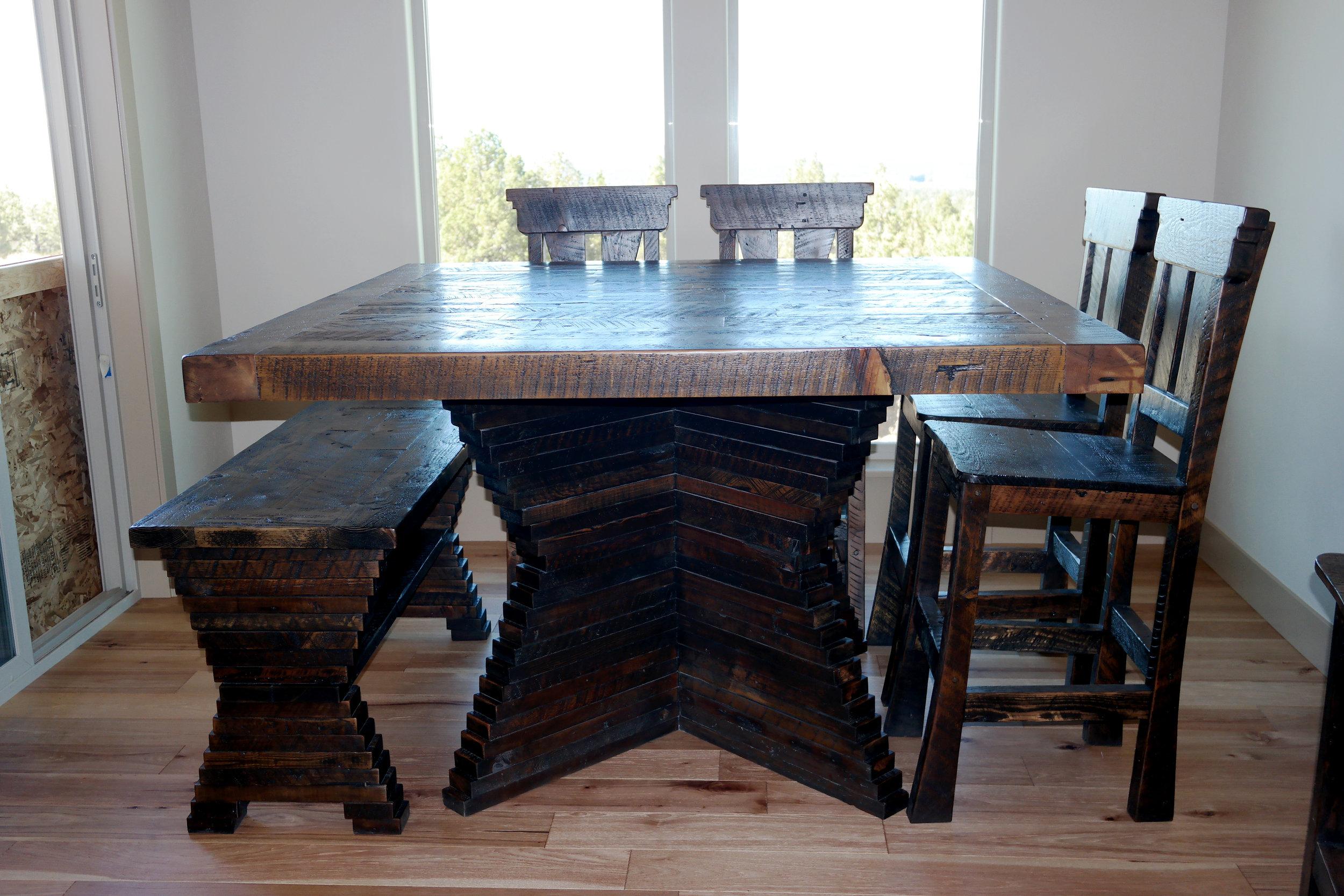 Custom Pub Table
