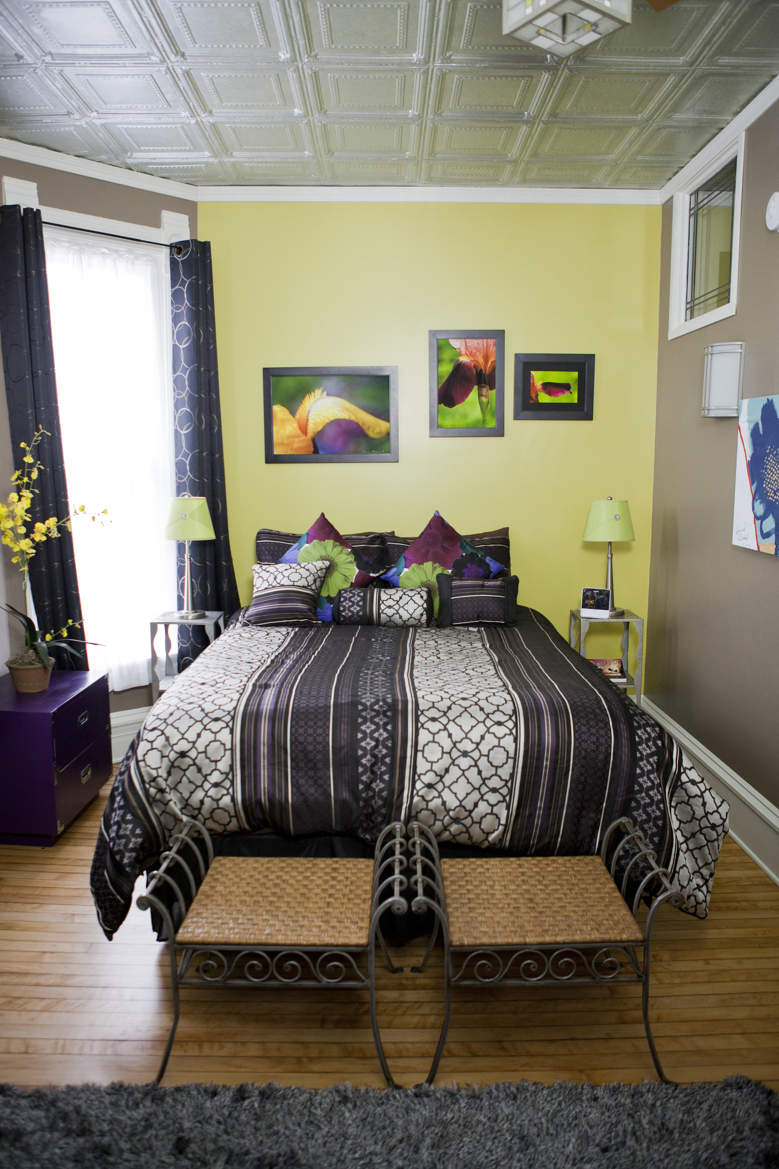 bed_in_lolis_room.jpg