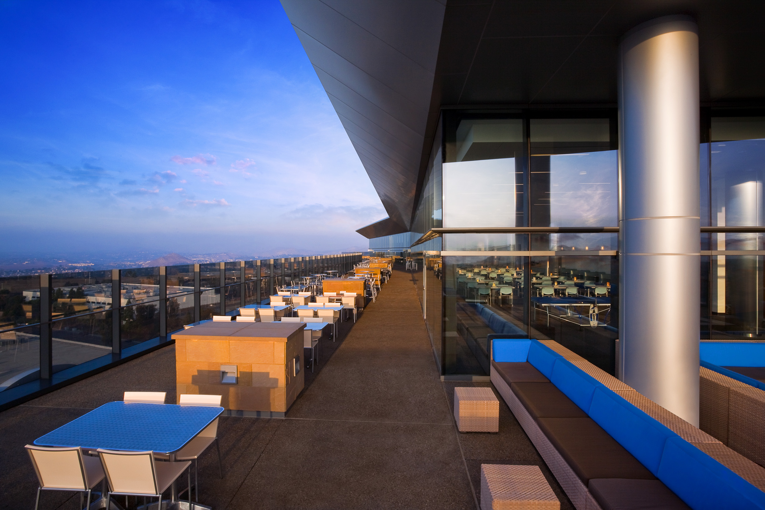 Sony_Roof-2.jpg