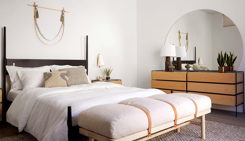 CHRIS EARL BLACK DANSK BED AT PARACHUTE HOTEL