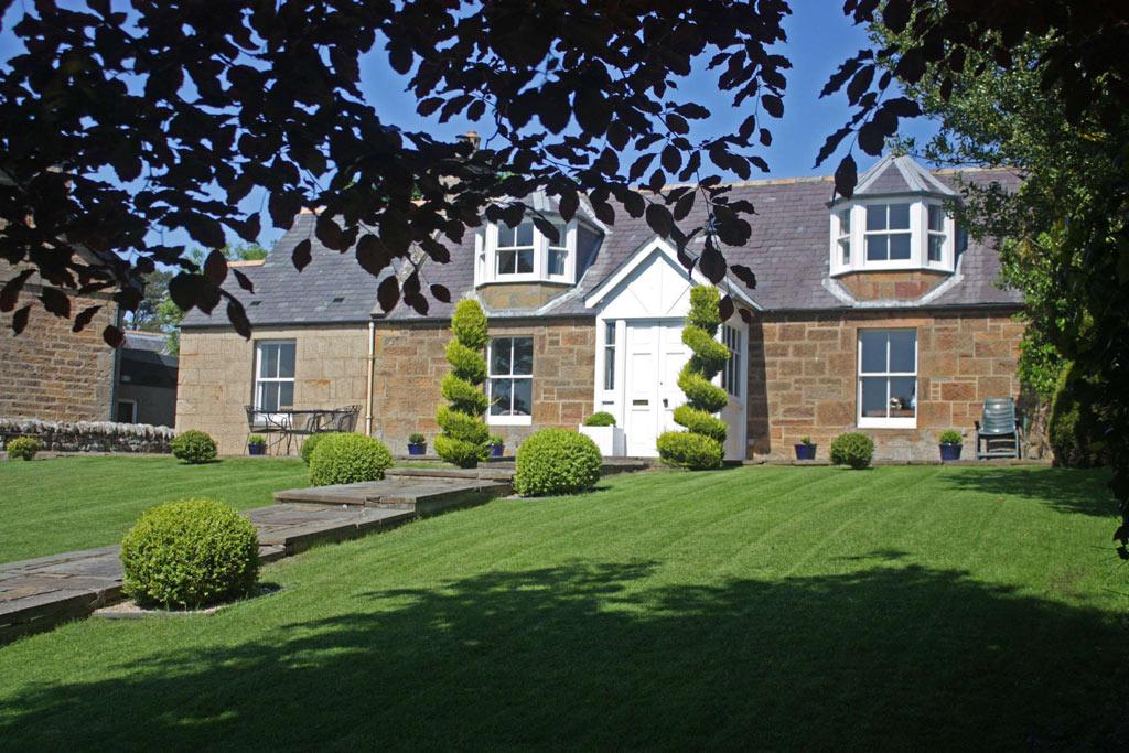 Dun_Brae_Cottage_Outside7.jpg