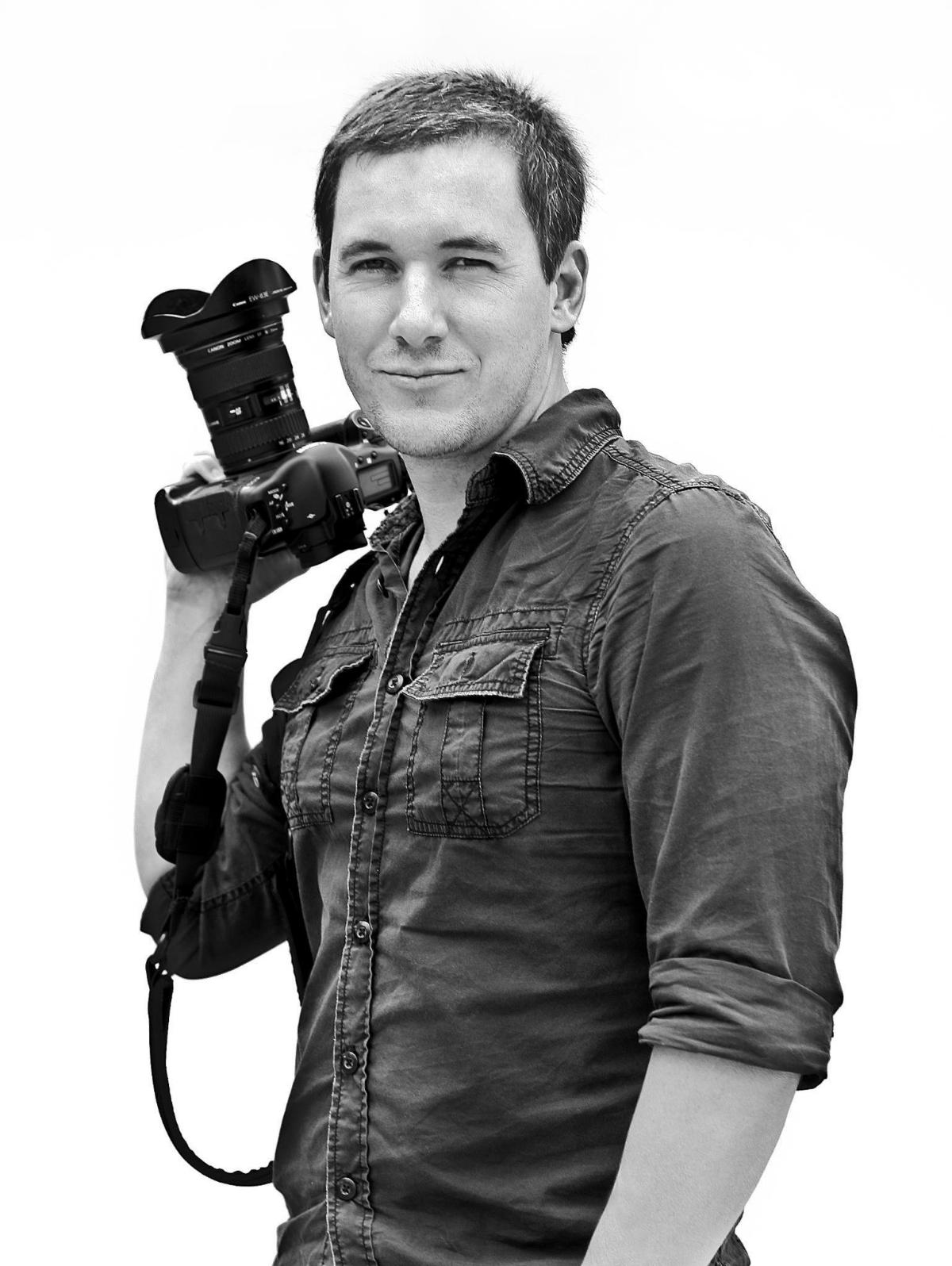 Photographer Alan De Herrera