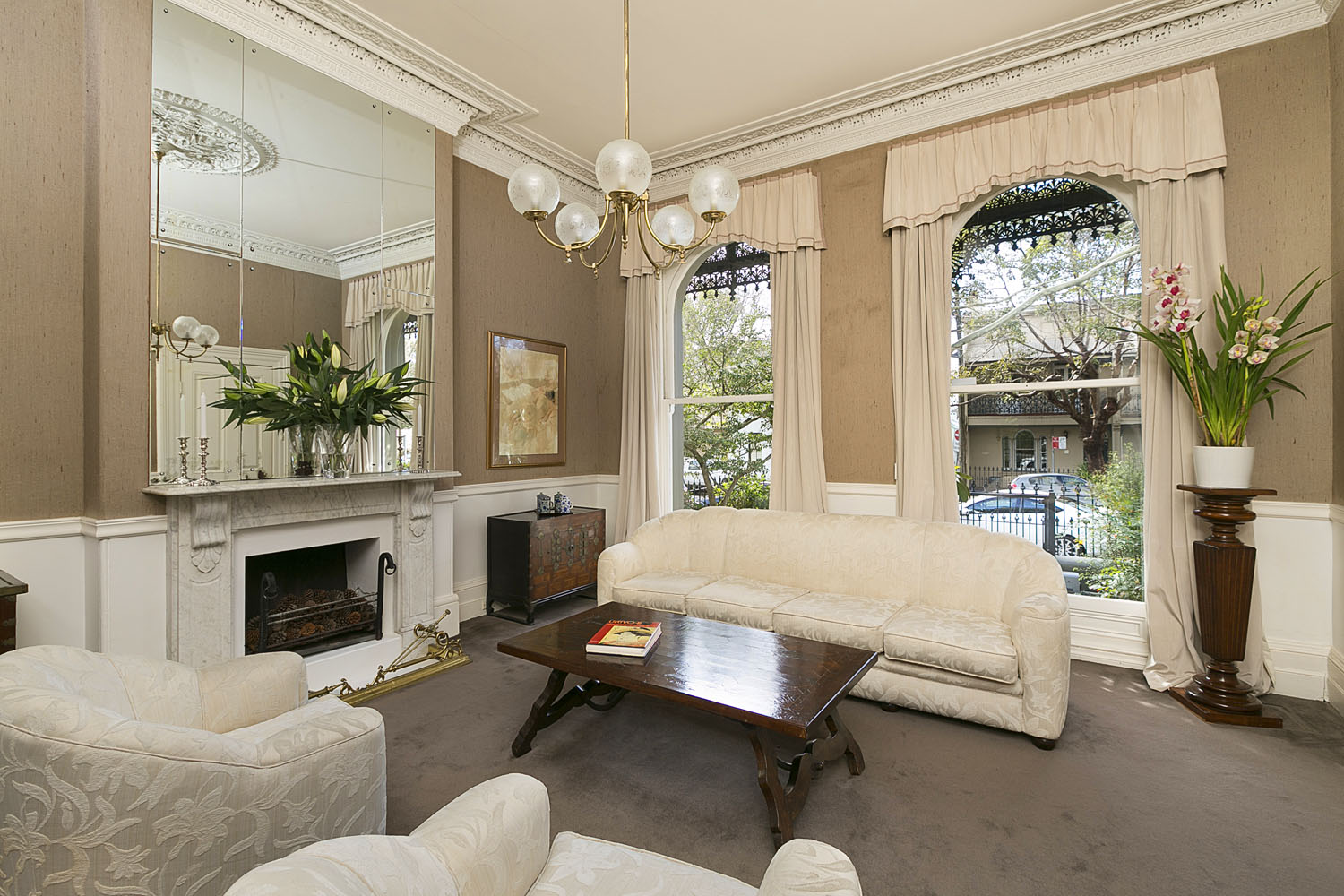 LOUNGE_12_Victoria_Ave_Woollahra.jpg