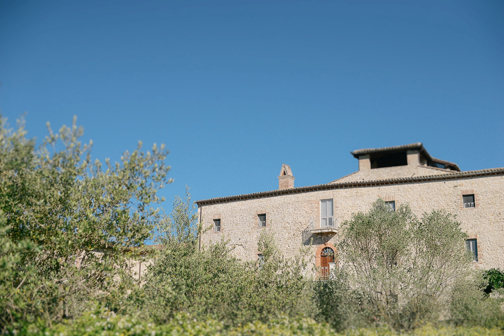 Italy_destination_wedding_umbria_montigano-2.jpg