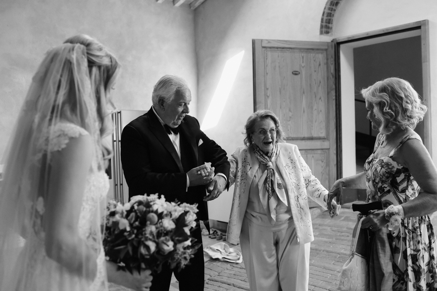 landvphotography_wedding_photographer_tuscany_0096.jpg