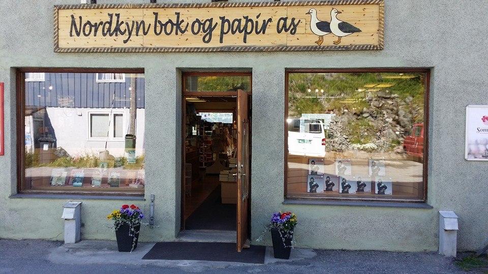 Nordkyn bok og papir 1.jpg