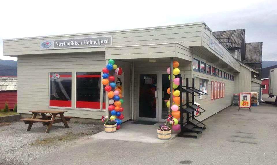 Nærbutikken Holmefjord.jpg