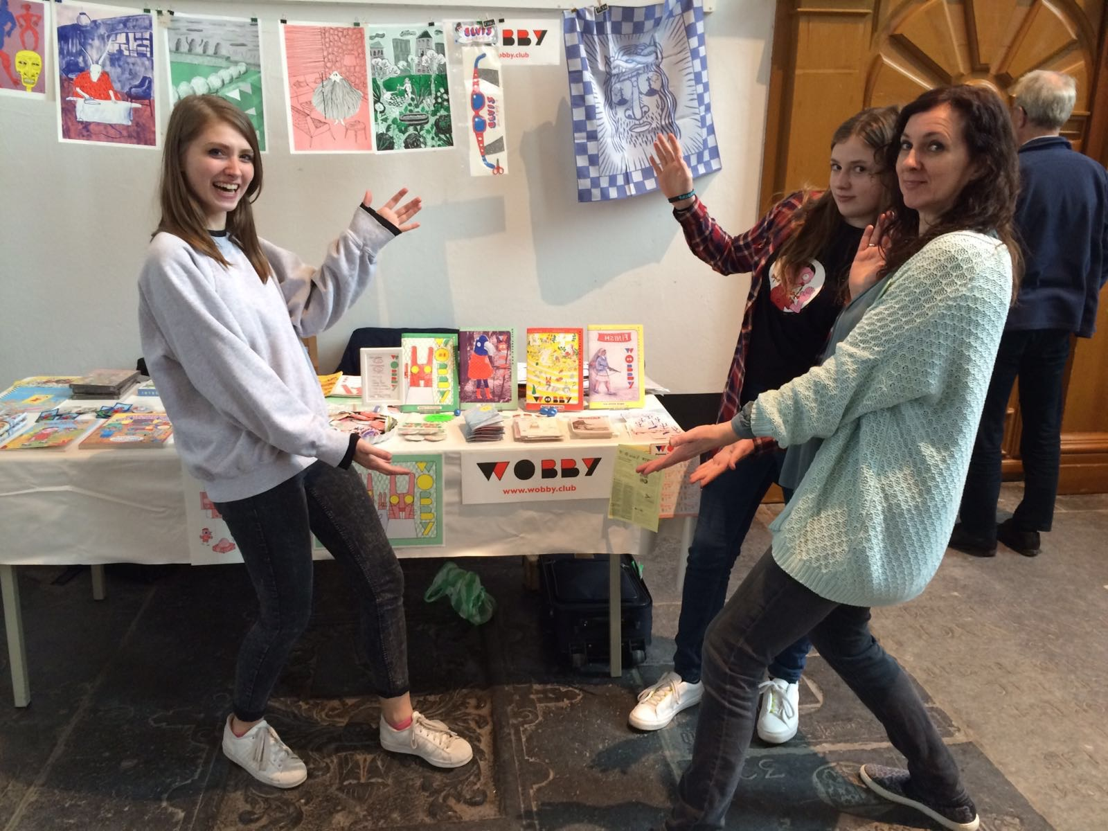 De dames Eva Stalinski (Wobby #1 gast), Tina de Leijer (de dochter van) en Marjolein Schalk bij de Wobby-stand.