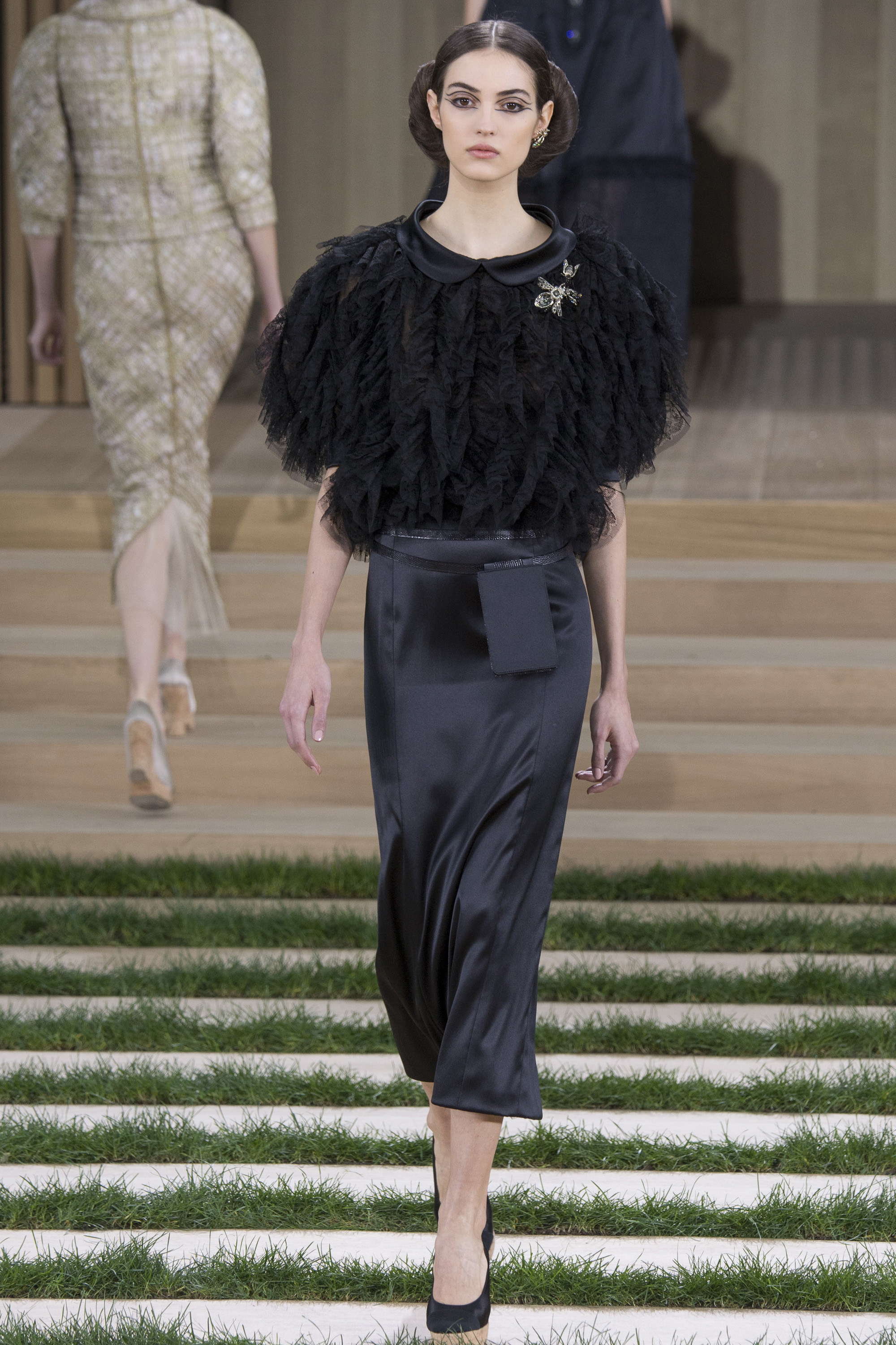 Chanel-Couture-Spring-2016-Paris-Fashion-Week-7.jpg