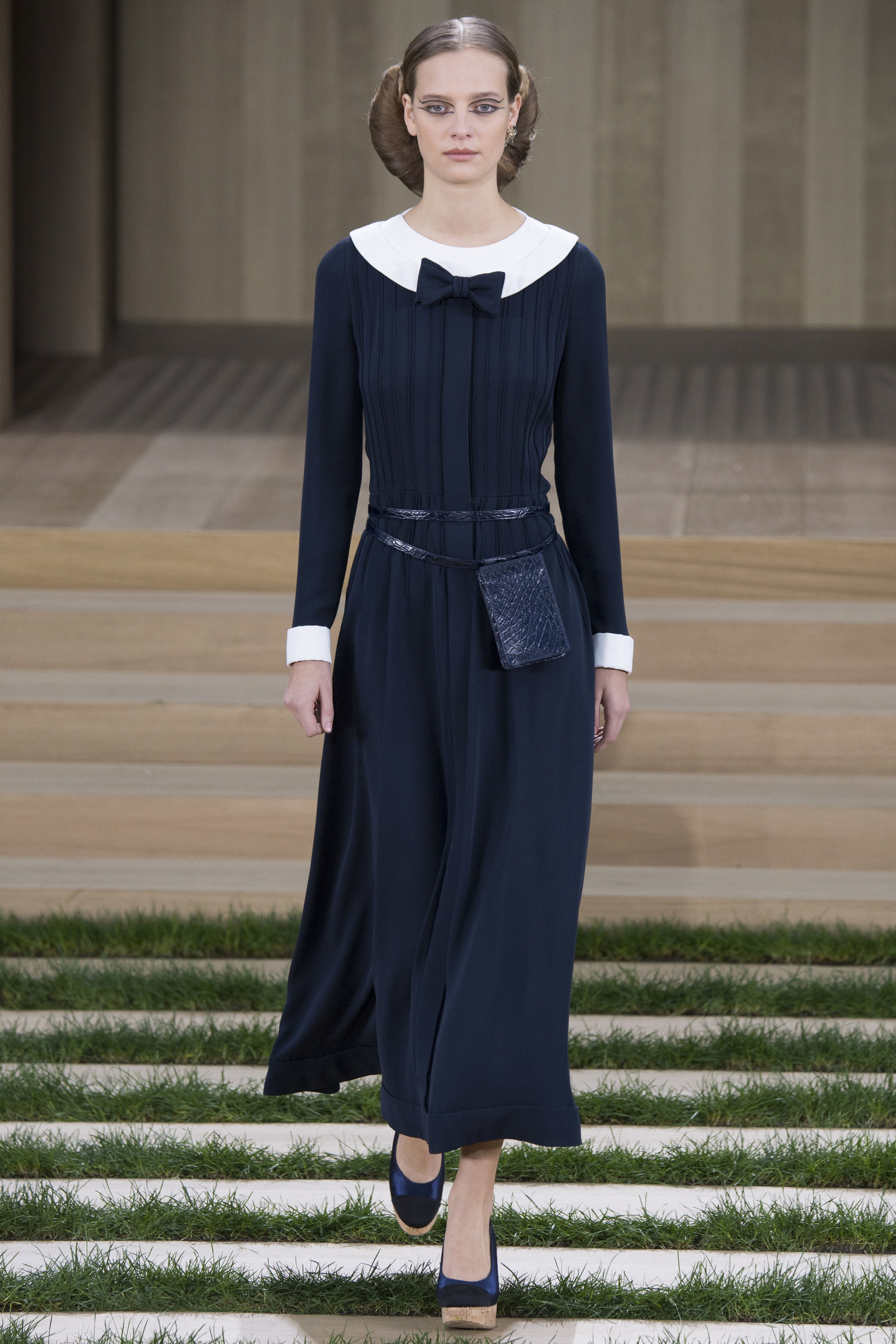 Chanel-Couture-Spring-2016-Paris-Fashion-Week-9.jpg