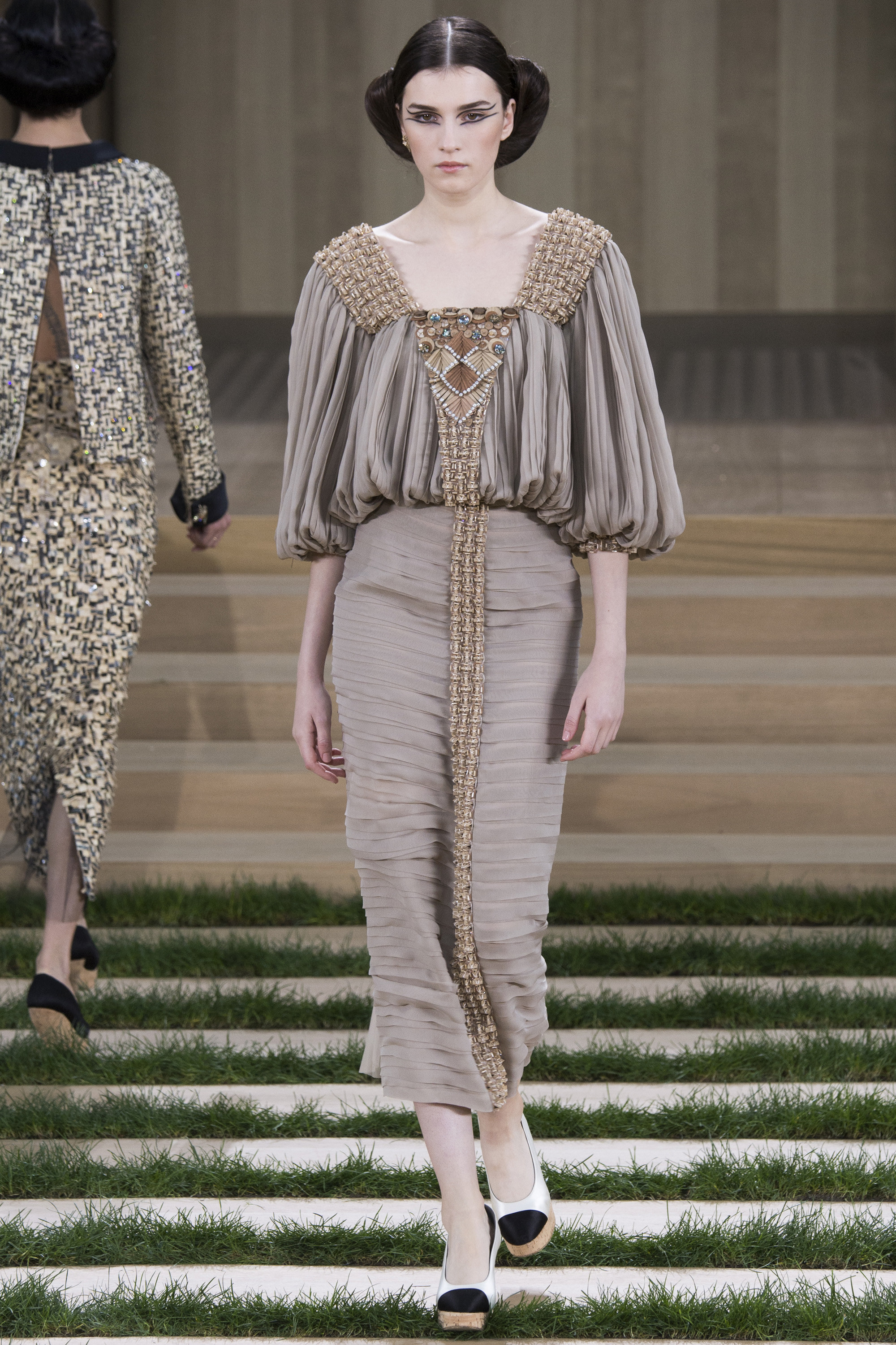 Chanel-Couture-Spring-2016-Paris-Fashion-Week-10.jpg
