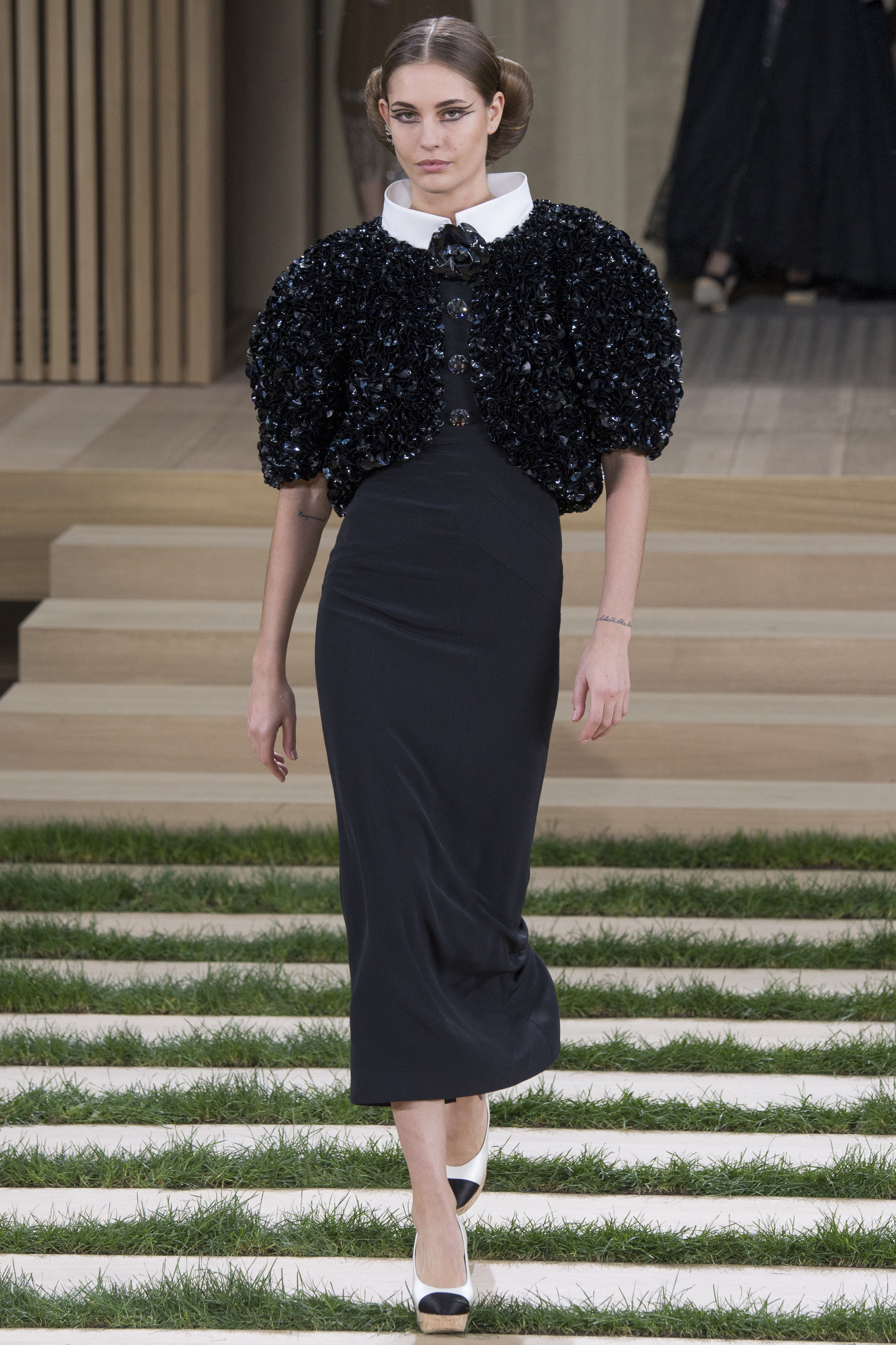 Chanel-Couture-Spring-2016-Paris-Fashion-Week-14.jpg