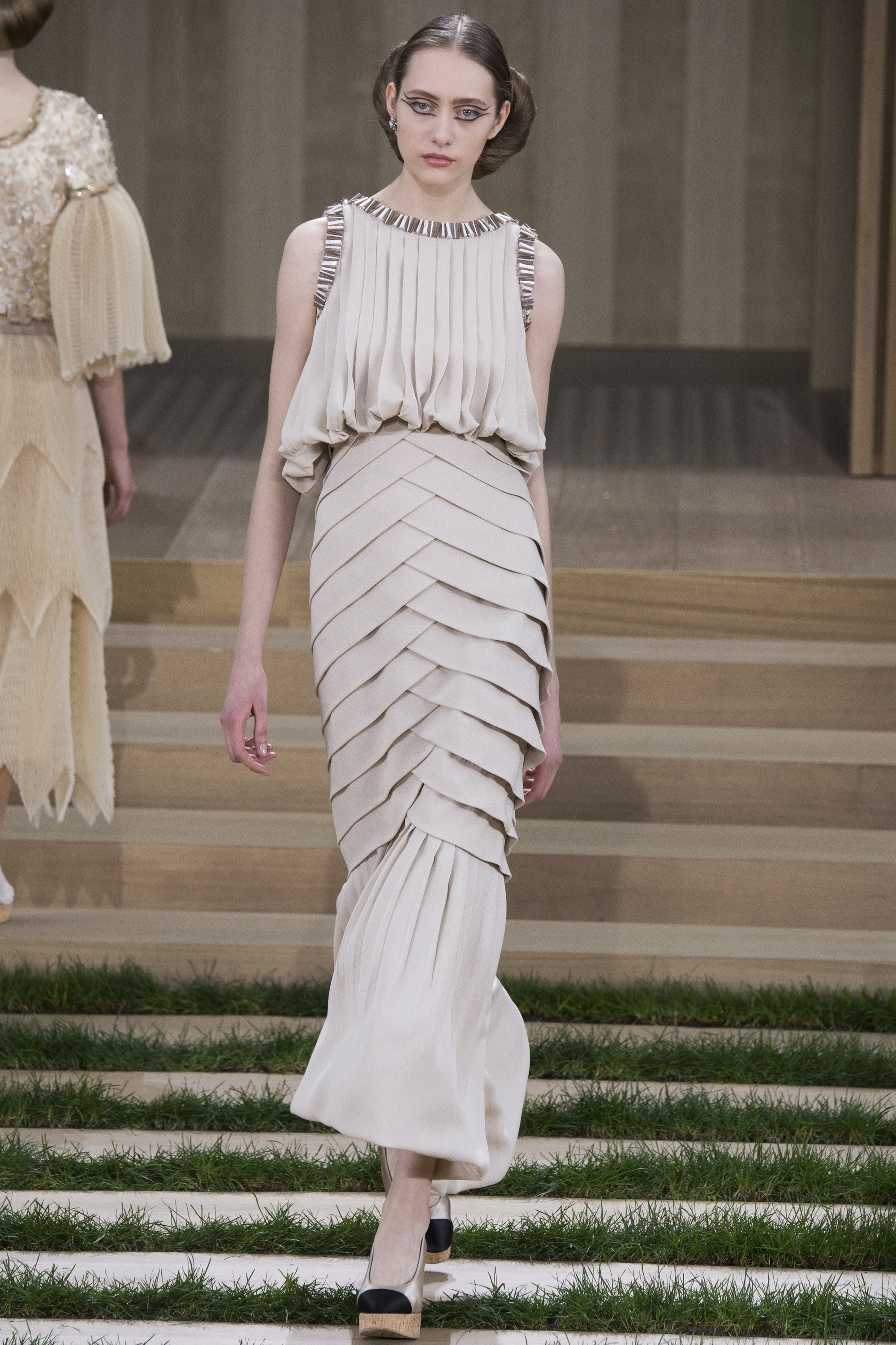Chanel-Couture-Spring-2016-Paris-Fashion-Week-15.jpg