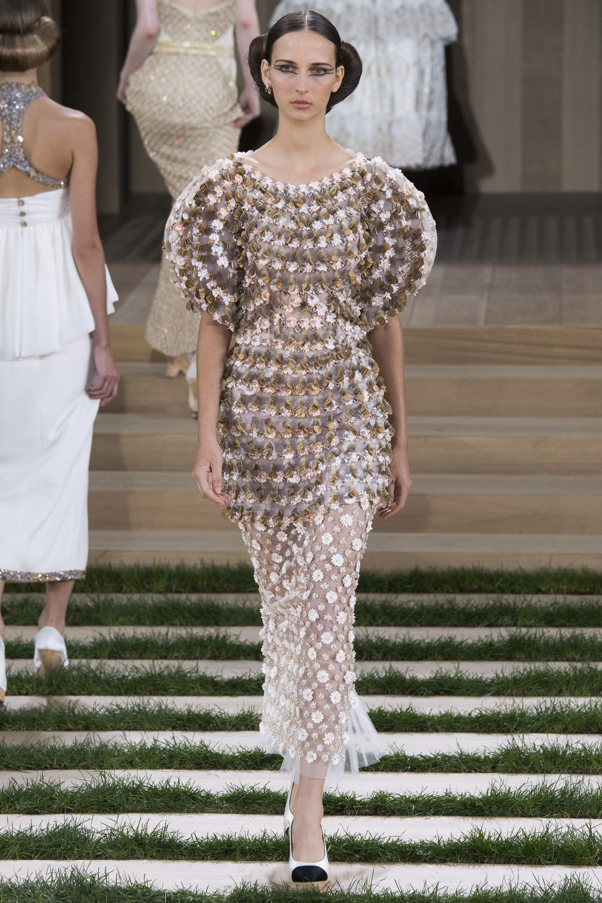 Chanel-Couture-Spring-2016-Paris-Fashion-Week-22.jpg