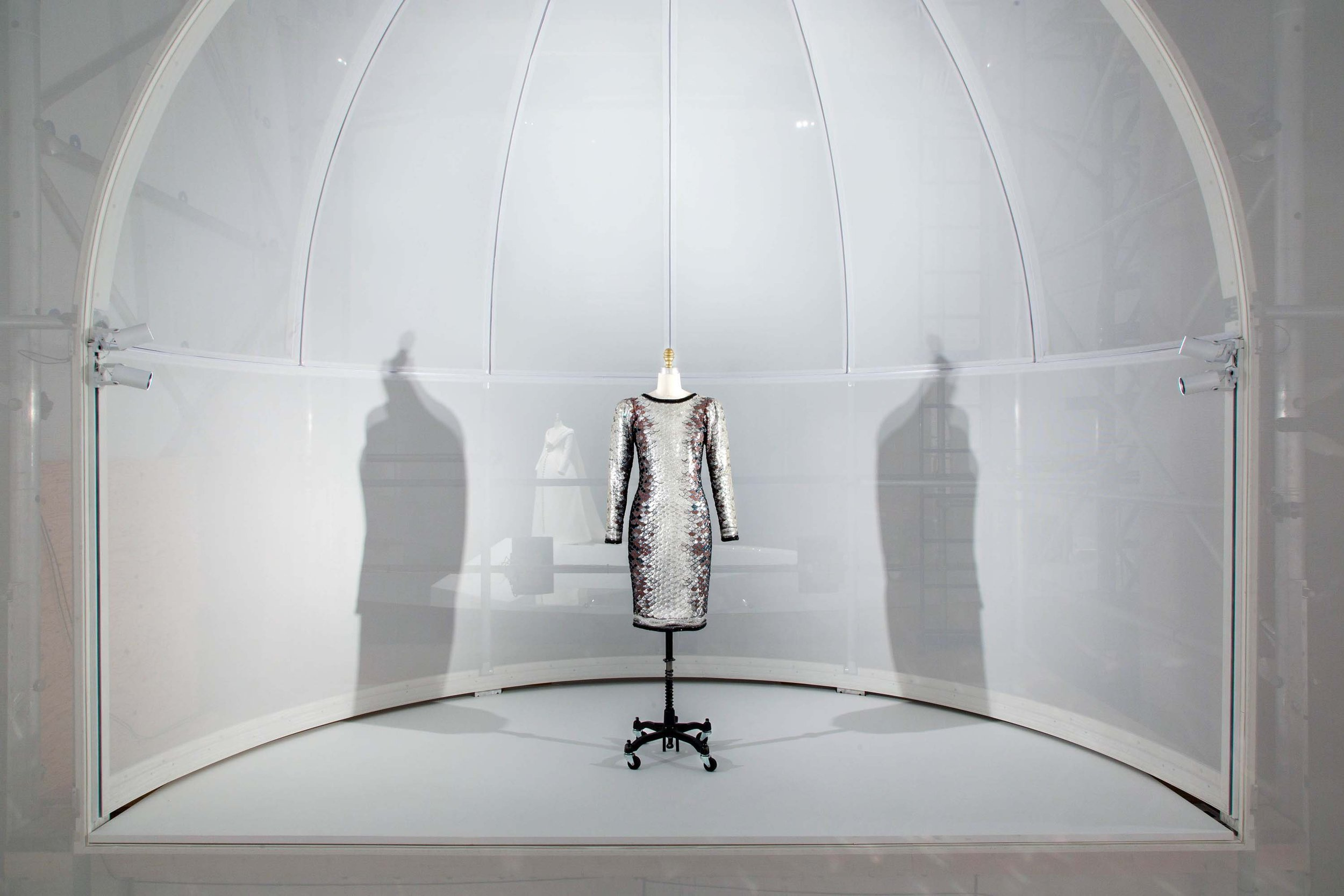 Met_Manus_Machina_Fashion_Exhibition_New_York_1.jpeg