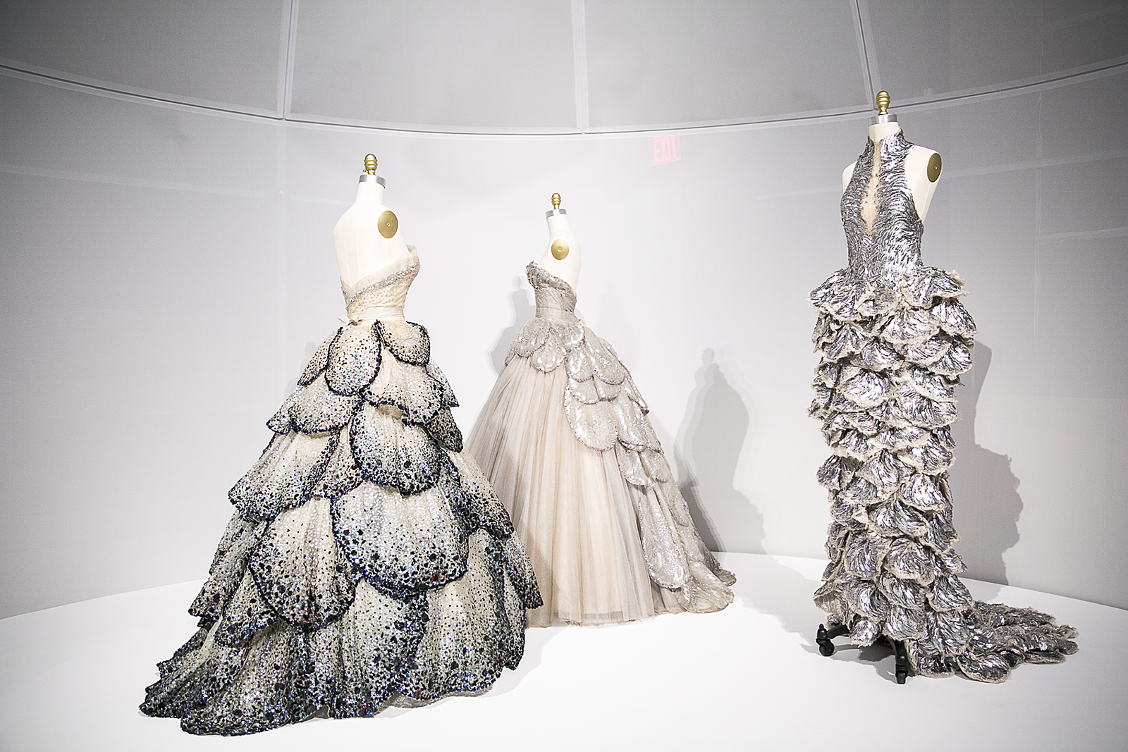 Met_Manus_Machina_Fashion_Exhibition_New_York_5.png