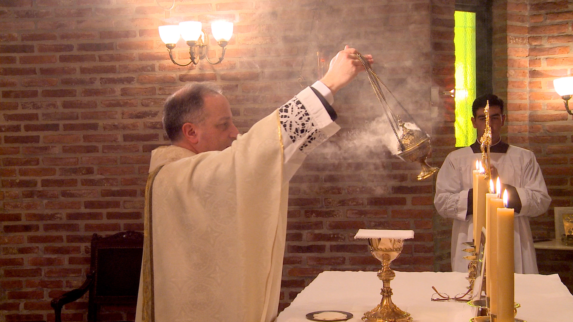 Yannuzzi-and-incense.jpg
