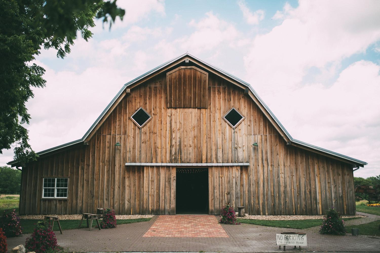 schwinn-produce-farm-wedding_0071.jpg