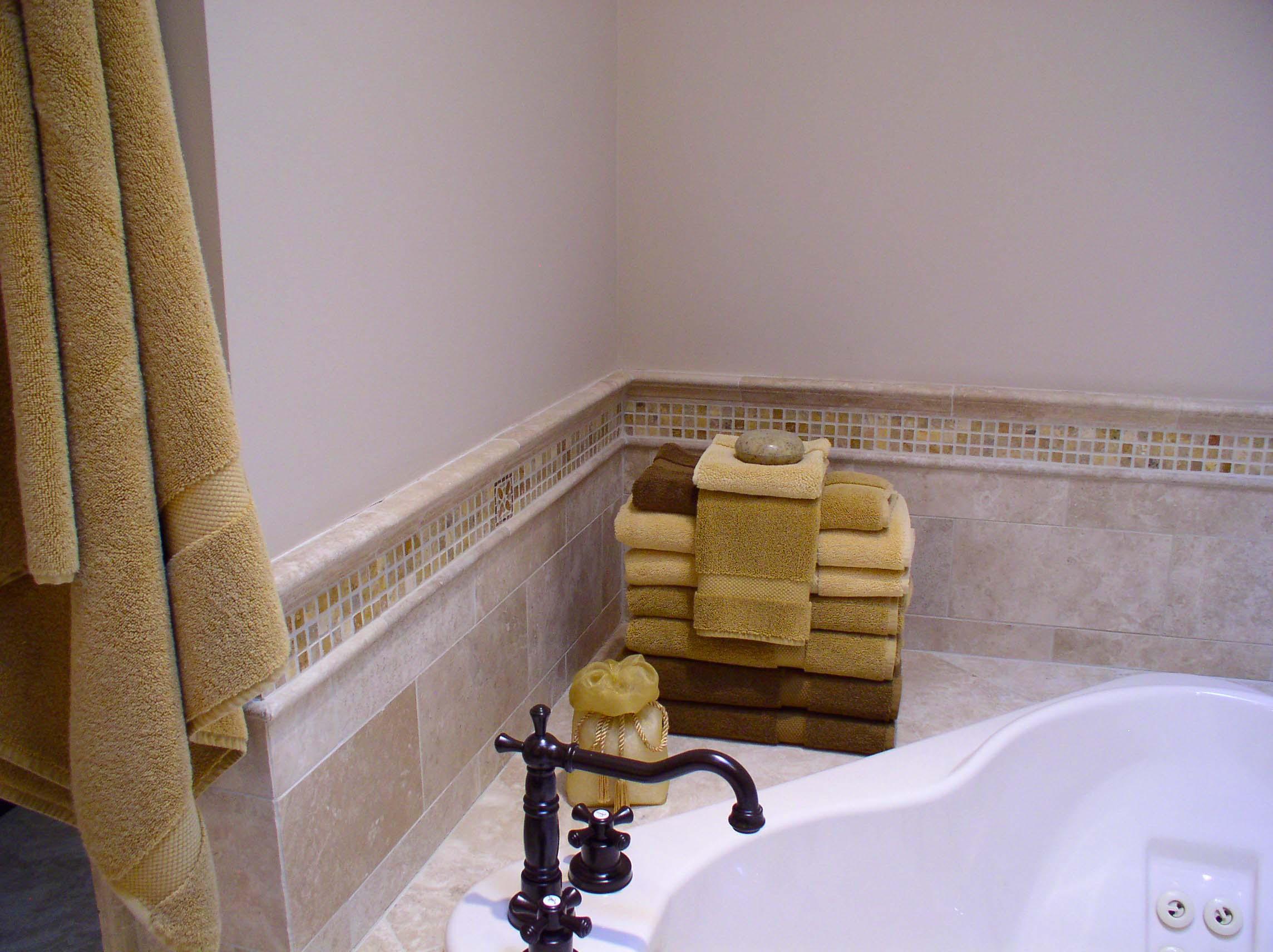 Dgo masterbath with mouldings.jpg
