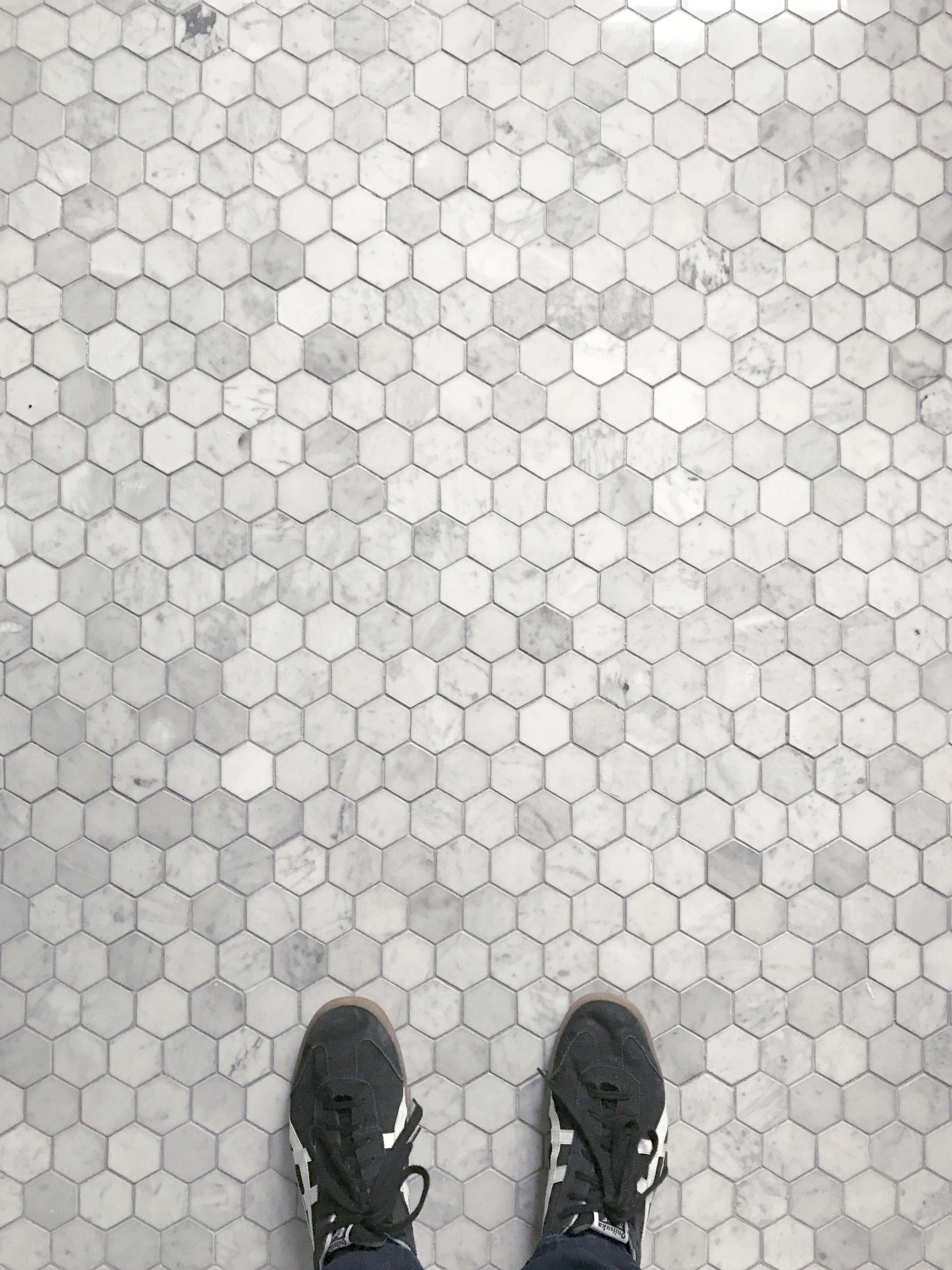 Venatino Carrara Hexagon
