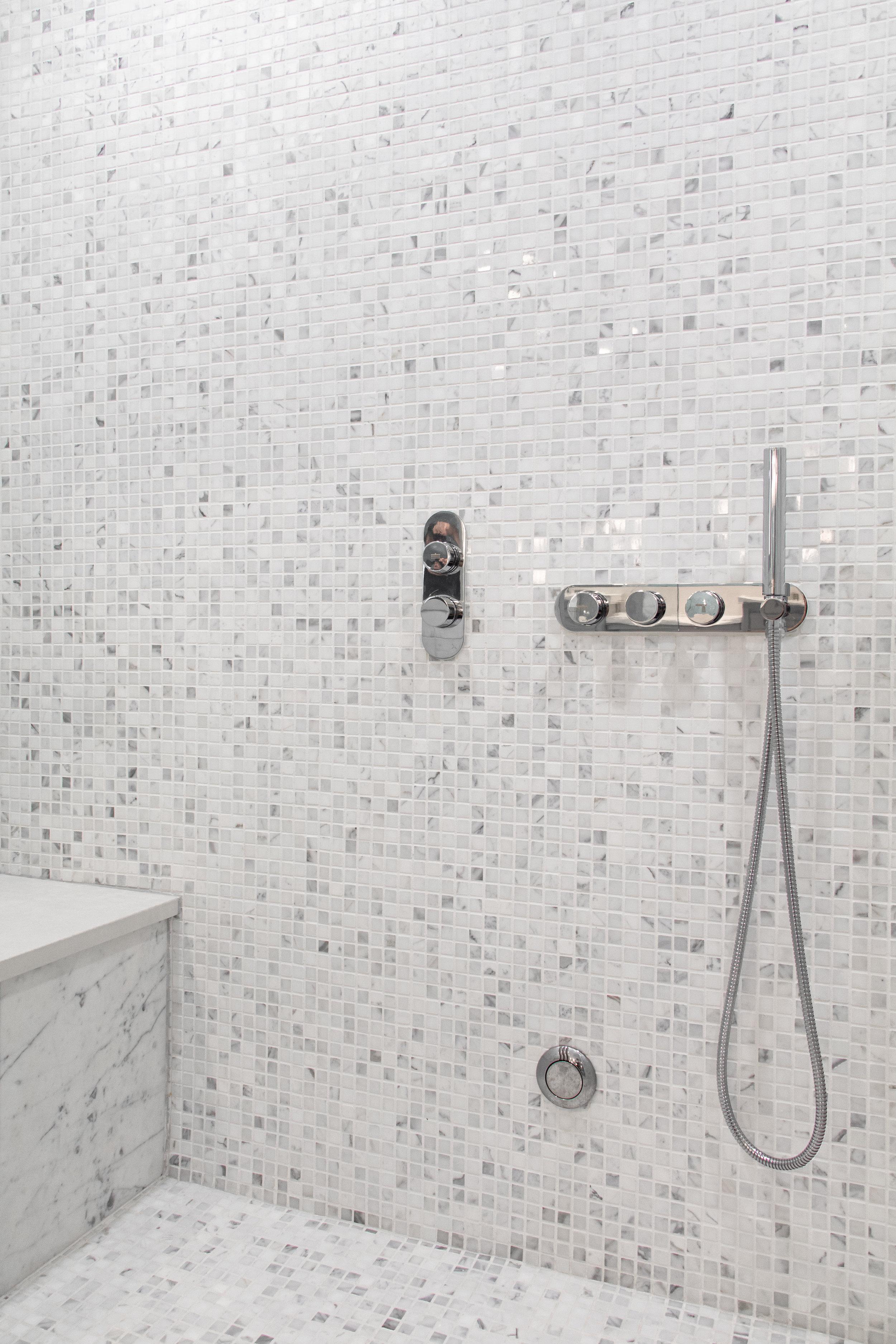 JW Statuary Bathroom Venice 3-4 _ LR_-31.jpg
